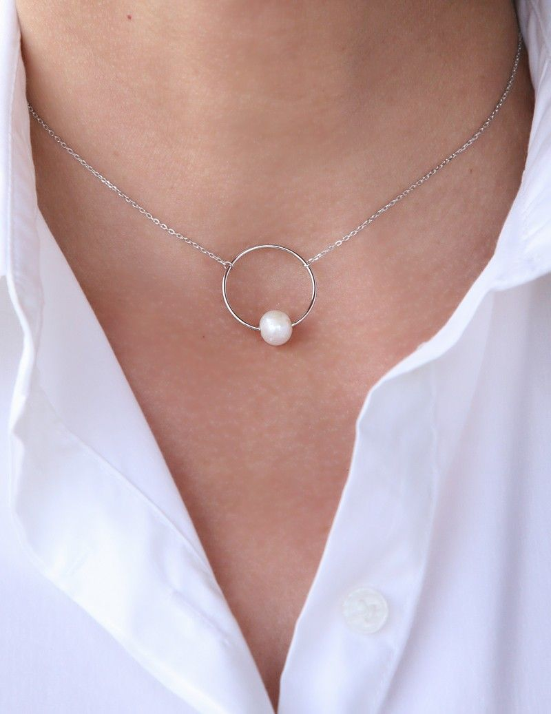 Pearls & Circle necklace