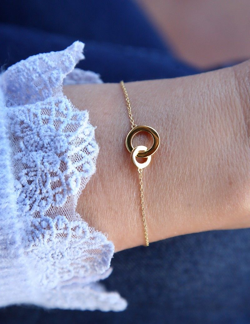 Bracelet with small handcuffs